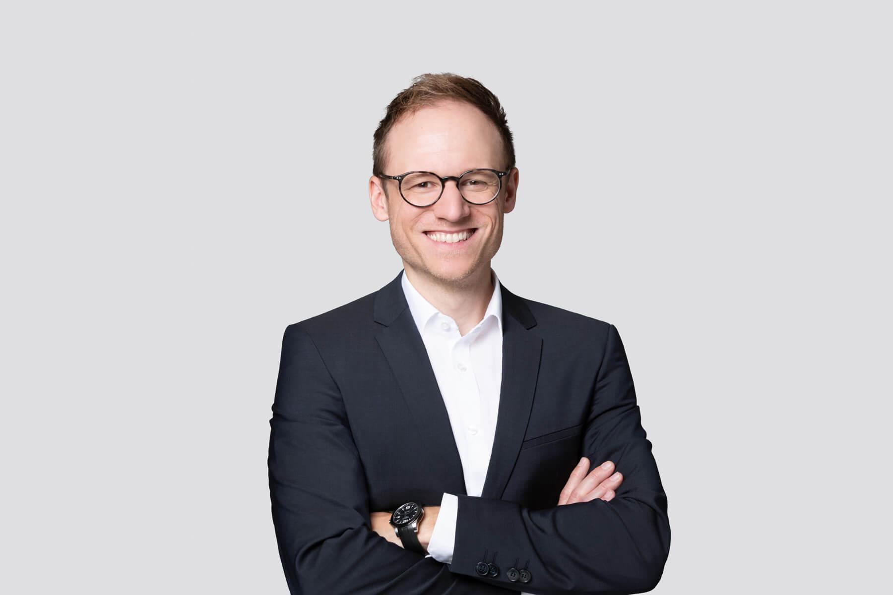 Simon Knupfer - Case Manager