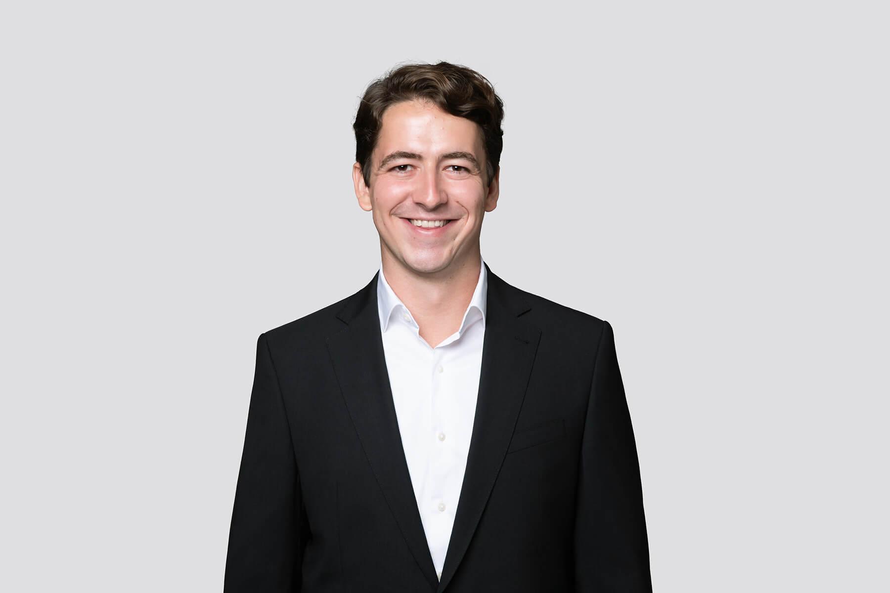 Alwin Zürcher - Analyst